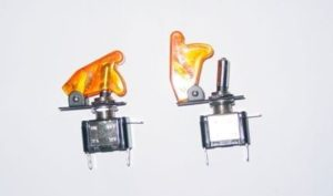 AIRCRAFT TOGGLE SWITCH AMBER CLEAR COVER, LED AMBER